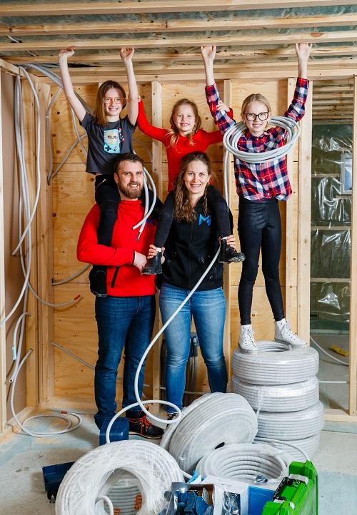 Ida-Linn Näzelius med familj. Foto: Mats Engfors Fotographic www.fotographic.se